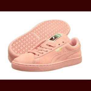 Pink Sneaker- Super cute